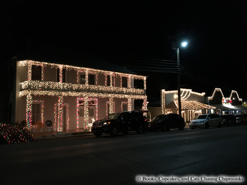 johnson city 2016 christmas lights texas books cupcakes and cats chasing chipmunks